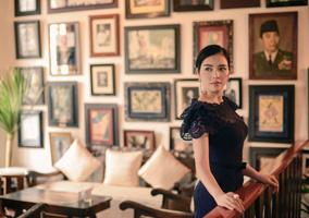 Lý Nhã Kỳ đẹp ưu tư ở Indonesia