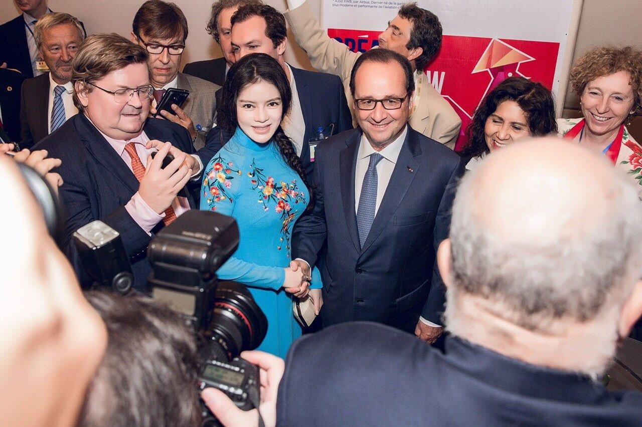 Lý Nhã Kỳ đẹp nền nã gặp gỡ Tổng thống Pháp tại TP.HCM