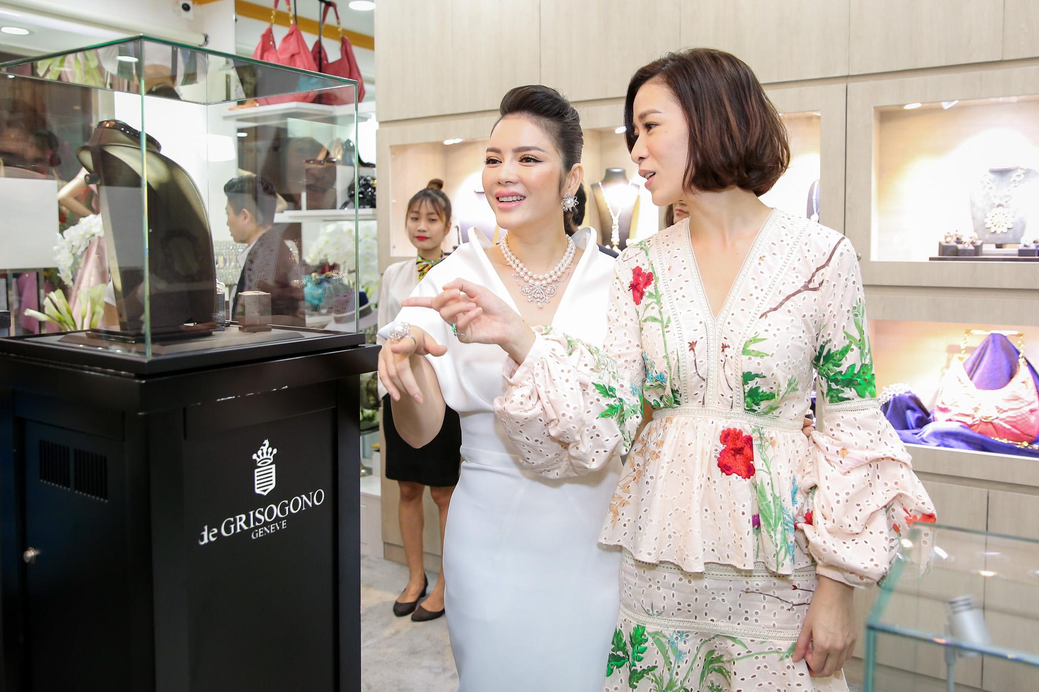 Xa Thi Mạn dự khai trương boutique kim cương của Lý Nhã Kỳ
