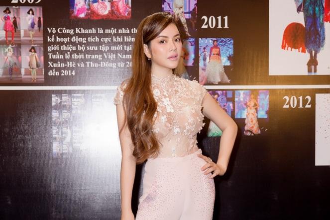 Lý Nhã Kỳ diện trang phục haute couture đi xem show thời trang