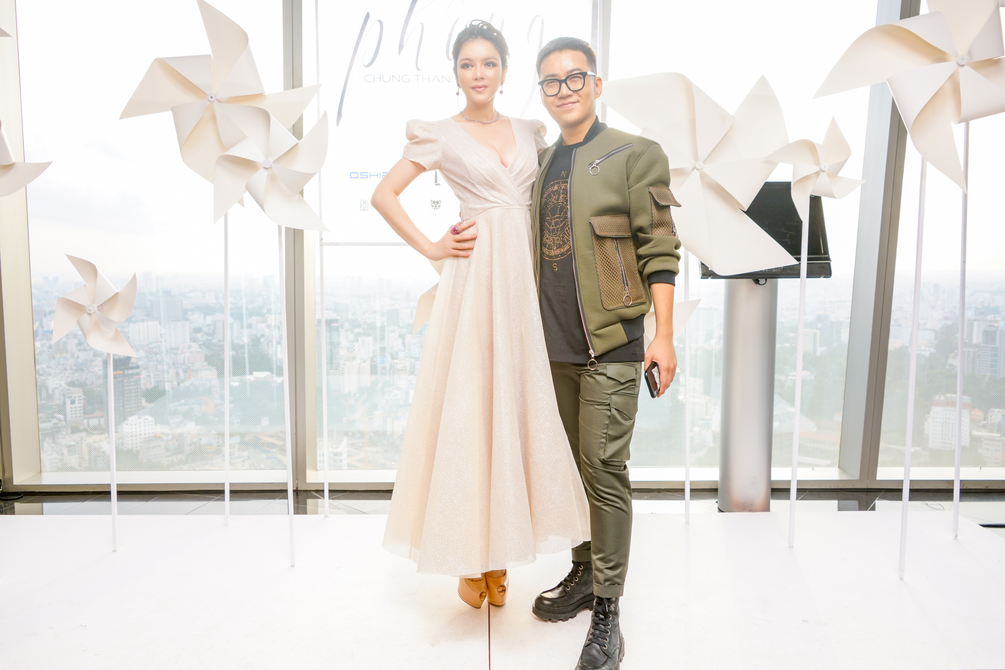 Lý Nhã Kỳ tỏa sáng trong show thời trang Chung Thanh Phong